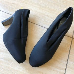 Eileen Fisher Shoes - Eileen Fisher Black Textile Heels size 7.5